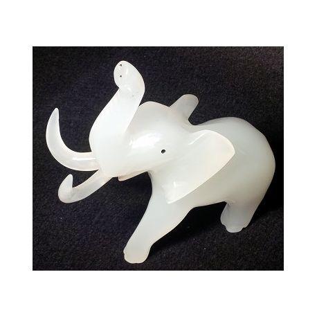 Décoration éléphants sculptés en Onyx blanc