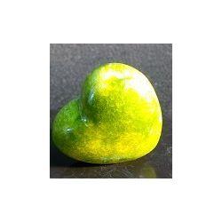 Coeur en pierre d'onyx teinté vert 125 grs