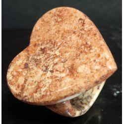 Bague en Marbre rose avec un plateau en forme de coeur