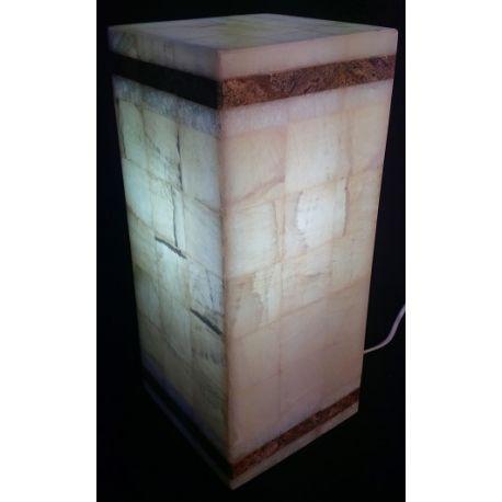 Luminaire en forme de Cube en onyx blanc  16 X 16 X 36 cm