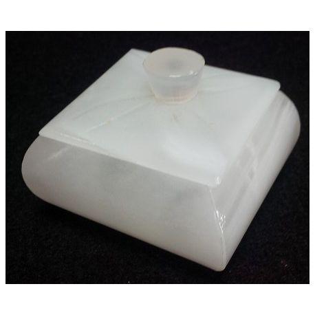 Petites boites à bijoux en pierre d'onyx blanc  6x6 x5 cm